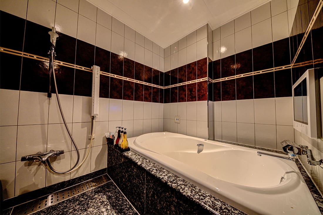 デラックスルーム 413 バスルーム